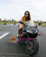 Kareena Kapoor in the Still from movie Golmaal Returns (2).jpg