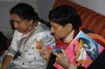 Dev Anand and Asha Bhosle record a song together in Spectral Harmony, Mumbai on 10th October 2008 (23).JPG