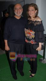 moahn and guni murjani at the poison Relaunch Bash on 16th October 2008 .JPG