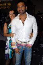 Sunil Shetty, Ekta Kapoor at EMI film bash hosted by Gitanjali in Dragon Fly on 19th October 2008 (102).JPG
