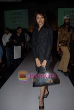 Bhagyashree at the 4th day of Lakme Fashion Week on 24th October 2008 (3).JPG