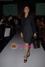 Bhagyashree at the 4th day of Lakme Fashion Week on 24th October 2008 (4).JPG