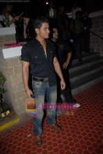 Kunal Khemu at the 4th day of Lakme Fashion Week on 24th October 2008 (2).JPG