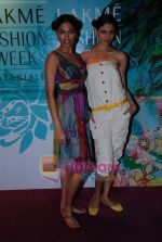at the 4th day of Lakme Fashion Week on 24th October 2008 (39).JPG