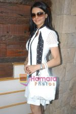 Aamna Shariff at Aloo Chaat press meet in Blue Waters on 1st November 2008 (7).JPG