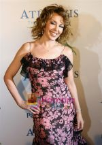 Kylie Minogue at the opening night of the Atlantis Hotel on the Dubai Palm Island on 21st November 2008 (9).JPG