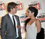 Zac Efron, Vanessa Hudgens at the High School musical 3 premiere in Paris on 20th November 2008(3).JPG