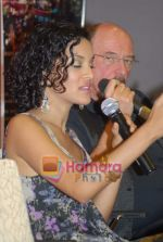 Anoushka Shankar and Jethro Tull at the Press Meet in Sahara Star on 4th December 2008 (14).JPG