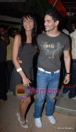 shamita singha with friend at Aalim Hakim_s hair lounge on 11th December 2008.JPG