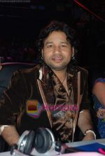 Kailash Kher on the sets of Indian Idol 4 in RK Studios on 13th December 2008 (75).JPG