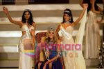 Ksenyia Sukhinova of Russia, Miss India Parvathy Omanakuttan, Miss Trinidad & Tobago Gabrielle Walcott at Sandton Convention Centre on Dec 13, 2008.jpg
