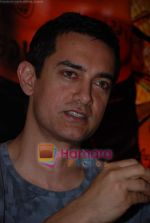 Aamir Khans six pack secret in Ghajini revealed with trainer Satya in Barbarian Gym on 14th December 2008 (42).JPG