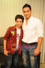 Indian Idol 4 contestant Remo Ghosh meets Kunal