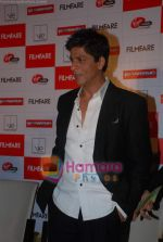 Shahrukh Khan launches the latest Filmfare issue in Vie Lounge in 16th December 2008 (22).JPG