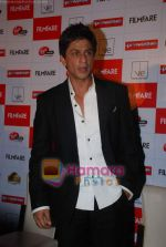 Shahrukh Khan launches the latest Filmfare issue in Vie Lounge in 16th December 2008 (23).JPG