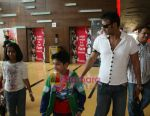 Ajay Devgan watch Jumbo with their kids in Cinemax on 24th December 2008 (4).JPG