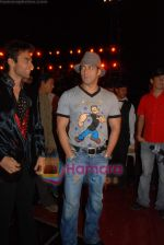 Salman Khan at the launch of Vashu Bhagnani_s son - Jackie in Film City on 24th December 2008 (5).JPG