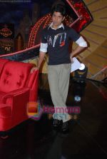 Farhan Akhtar on the sets of Farhan Akhtar_s Oye its Friday in Yash Raj Studios on 25th December 2008 (4).JPG