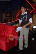 Farhan Akhtar on the sets of Farhan Akhtar_s Oye its Friday in Yash Raj Studios on 25th December 2008 (8).JPG
