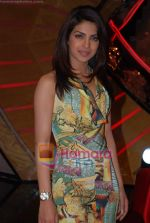 Priyanka Chopra on the sets of Farhan Akhtar_s Oye its Friday in Yash Raj Studios on 25th December 2008 (19).JPG