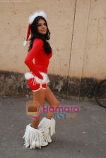 Sherlyn Chopra spends Christmas with kids in Bombay Central on 25th December 2008 (3).JPG