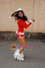 Sherlyn Chopra spends Christmas with kids in Bombay Central on 25th December 2008 (30).JPG
