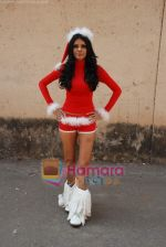 Sherlyn Chopra spends Christmas with kids in Bombay Central on 25th December 2008 (31).JPG