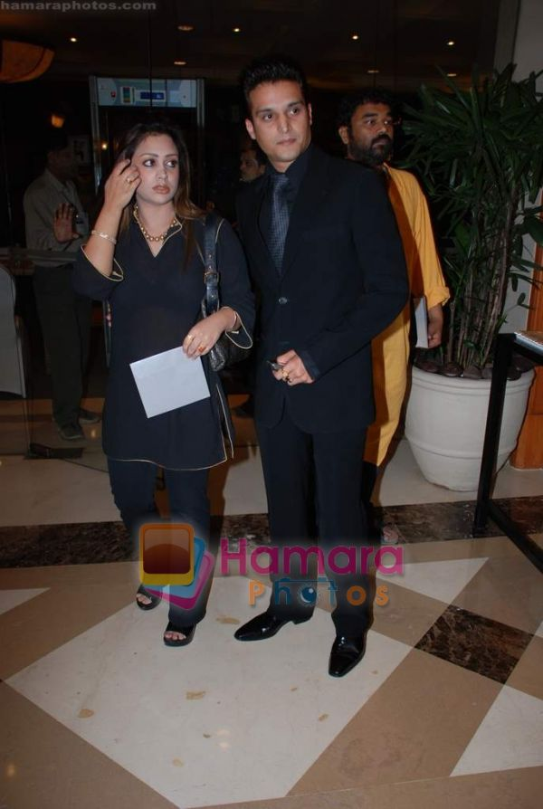 [..Jimmy SherGill w/his Wife..]