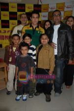 Aamir Khan on the sets of Radio Mirchi 98.3 FM in Mahalaxmi on 27th December 2008 (2).JPG