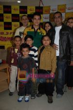 Aamir Khan on the sets of Radio Mirchi 98.3 FM in Mahalaxmi on 27th December 2008.JPG