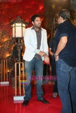 Yuvraj Singh at a promotional event for sony_s new comedy circus _Chinchpokali to China_ in Mohan Studios on 28th December 2008 (44).JPG