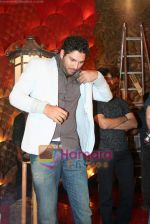 Yuvraj Singh at a promotional event for sony_s new comedy circus _Chinchpokali to China_ in Mohan Studios on 28th December 2008 (46).JPG