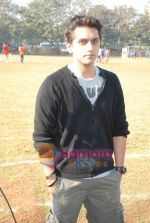 Mohit Suri at the event to promote football training at Jamnabhai  grounds in juhu on 29th December 2008 (12).JPG