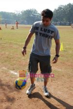 Mohit Suri at the event to promote football training at Jamnabhai  grounds in juhu on 29th December 2008 (2).JPG