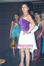 at Mirage Entertainment_s Khoobsurat fashion show in D Ultimate Club on 30th December 2008 (29).JPG