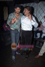 Harbhajan Singh, Ehsaan Qureshi at new club Ice & Mint launch in Juhu on 3rd Jan 2009 (50).JPG