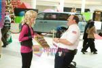 Kevin James, Jayma Mays in still from the movie Paul Blart - Mall Cop.jpg