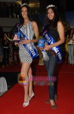 at Nivea Femina Miss India wild entry round in Inorbit Mall on 11th Jan 2009 (96).JPG