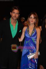 Hrithik Roshan, Suzanne khan at Nokia 15th Annual Star Screen Awards 2008 on 14th Jan 2009 (33).JPG