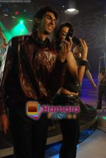 Malaika Arora Khan with Ishant Sharma at the Shooting of for FLY mobile in Click Nixon, Saki Naka on 19th Jan 2009 (11).JPG