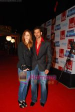 Hrithik Roshan, Suzanne Khan at Slumdog Millionaire premiere on 22nd Jan 2009 (2).JPG