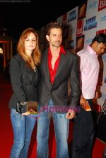 Hrithik Roshan, Suzanne Khan at Slumdog Millionaire premiere on 22nd Jan 2009 (4).JPG