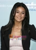 Emmanuelle Chriqui arrives at the Los Angeles Premiere of the movie He_s Just Not That Into You at Grauman_s Chinese Theatre on February 2, 2009 in Los Angeles, California.jpg