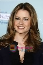 Jenna Fischer arrives at the Los Angeles Premiere of the movie He_s Just Not That Into You at Grauman_s Chinese Theatre on February 2, 2009 in Los Angeles, California.jpg
