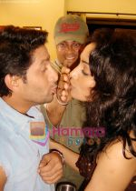 Arshad Warsi and Shweta Menon in the still from movie Kisse Pyaar Karoon.jpg
