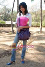 Sunaina Gulia at Dill Mill Gaye on location in Madh on 13th Feb 2009 (5).JPG