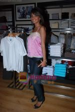 at Murjani Groups Spring Summer showcase for top brands in Vama, Peddar Road on 27th Feb 2009 (11).JPG