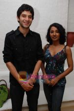 Arjun Mathur, Tanishta Chatterjee at Barah Anna film photo shoot in Olive on 10th March 2009 (3).JPG