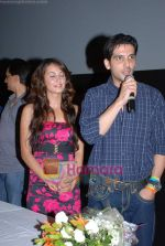 Zayed Khan and Vaishali Desai at music launch of Kal Kisne Dekha in Cinemax on 12th March 2009 (32).JPG