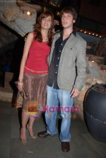 Shruti Vyas And Abeer Chaudhri at Gunwale Dhulaniya le jayenge bash in Kino_s Cottage on 16th March 2009 (4).JPG